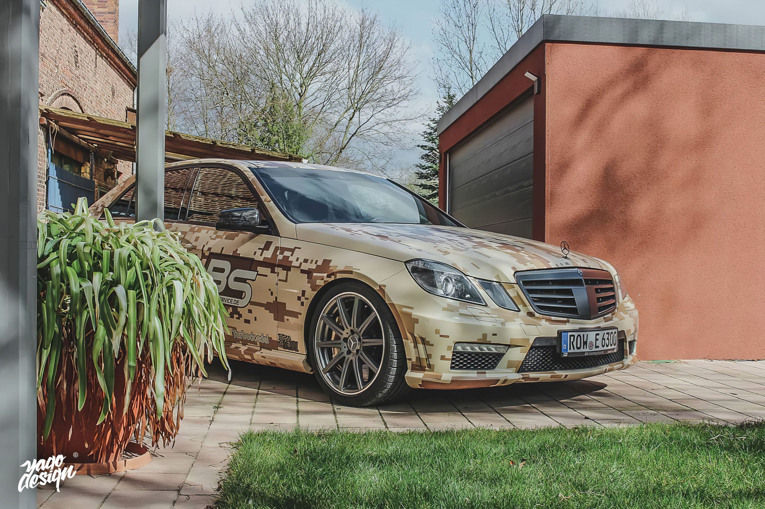 Mercedes-Benz-E63-AMG-PixelCamo-by-Yagodesign-2-scaled